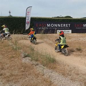 Stages moto enfants : cours pilotage pour les 7/15 ans